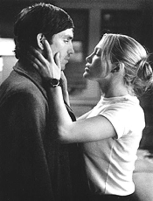 Lives of not-so-quiet desperation: Catch (Jim Caviezel) and Sharon (Jennifer Lopez) play family therapist for each other.