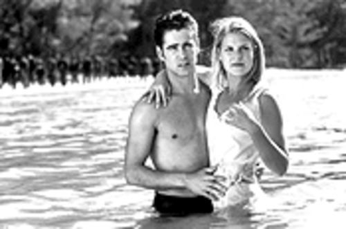 Watered down: Colin Farrell (as Jesse), pictured with Ali Larter (Zee), shows that he can sink without good material.