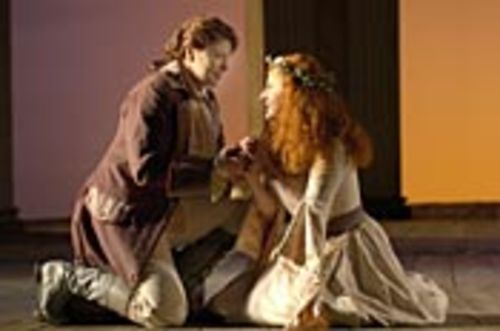 Idamante (Susan Graham) confesses his love to a  Trojan princess (Laura Claycomb).