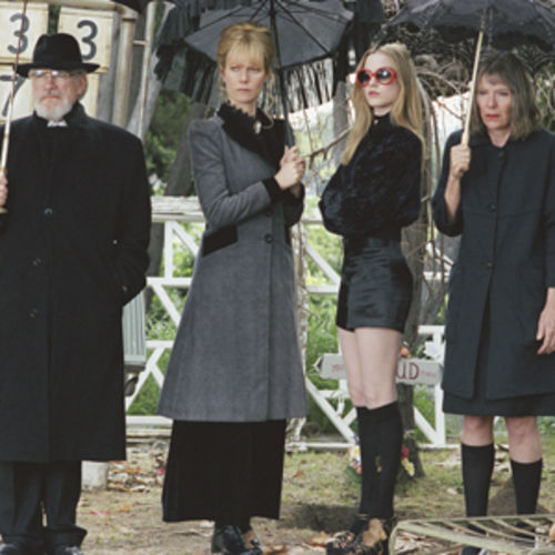 A portrait of dysfunction, starring Brian Cox, Gwyneth Paltrow, Evan Rachel Wood and Jill Clayburgh.