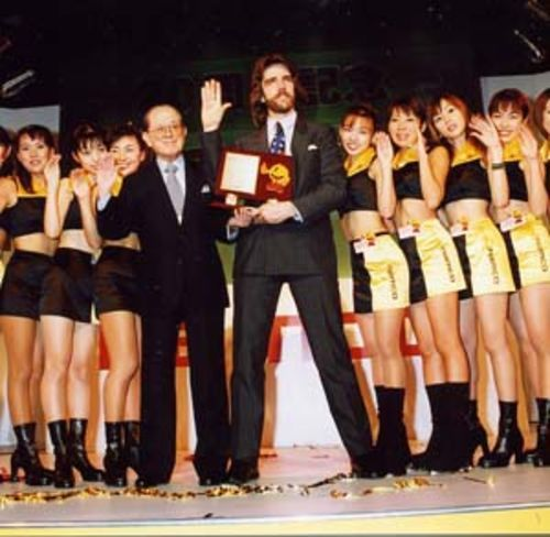 Billy Mitchell: Living the dream, complete with Pac-Man Girls