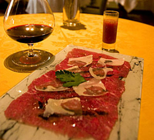 The beef tenderloin carpaccio has a spectacular presentation.