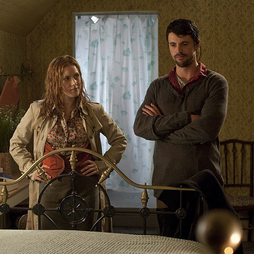 Anna (Amy Adams) has to contend with mud, rain, manure and an oafish innkeeper ­(Matthew Goode).