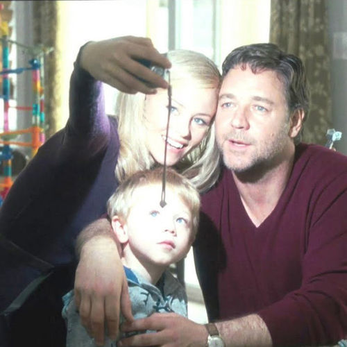 Lara (Elizabeth Banks) goes to jail for murder, and John (Russell Crowe) tries to break her out.