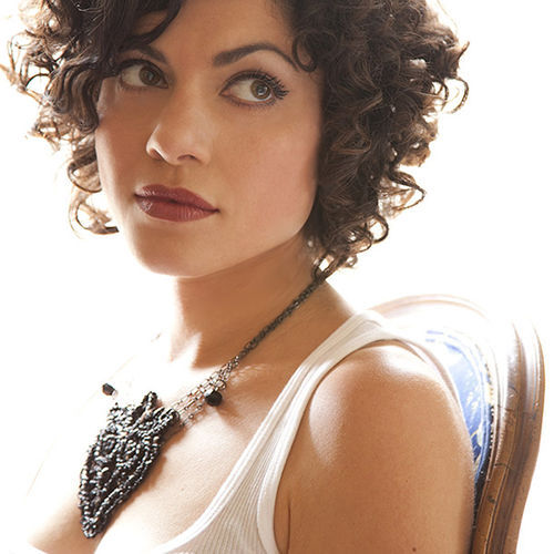 Carrie Rodriguez: No victim of Circumstance.