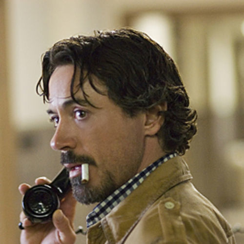 What interests the filmmakers most isn't the killer but the people who pursued him, such as reporter Paul Avery (Robert Downey Jr.).