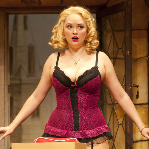 Melissa Pritchett plays bombshell, dumb-as-a-stump Brooke.