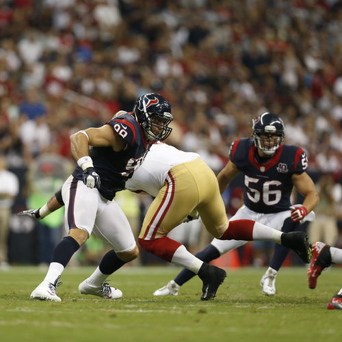 "Linebackers Connor Barwin (left) and Brian Cushing (right) are two of defensive coordinator Wade Phillips's fiercest ""Bulls on Parade"""