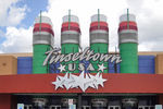 Cinemark Tinseltown USA 290