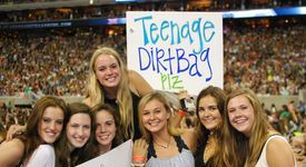 These are the People You Meet at a One Direction Concert