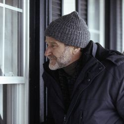 Robin Williams takes on another serious role as Gabriel Noone in The Night Listener.