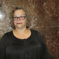 Miriam Aune says she told her husband that he was being scammed, but he didn't believe her.