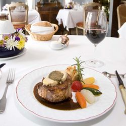 "Perfect for a winter night: ""Coeur de filet de boeuf 'Rossini'"" and a glass of wine."