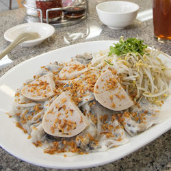 Vietnamese tradition: banh cuon with ground pork.