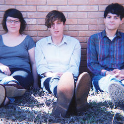 Woven Bones adds dreamy luster to ­primitive garage-rock.