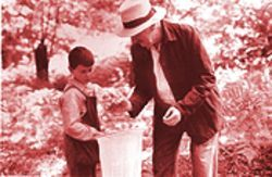Socialism as octogenarian: Fernando Fernín Gómez as Don Gregorio teaches young Moncho (Manuel Lozano) the ways of the world through nature.