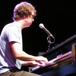 Ben Folds tickles the ivories.