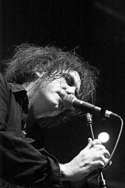 Robert Smith's world always has been in a tangle.