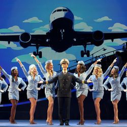 Stephen Anthony and the cast of the national tour of Catch Me If You Can know how to do a lineup.