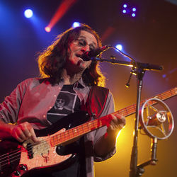 Geddy Lee and Rush&#039;s latest tour leaned heavily on their synthesizer-heavy 1980s albums.