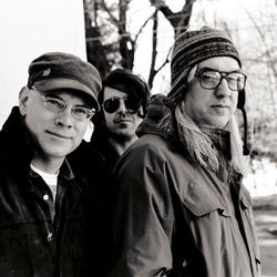 "Older, grayer ""Freak Scene"" stalwarts ­Dinosaur Jr."