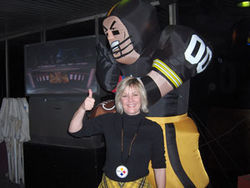 Pittsburgh expatriate Kim McMillian and friend