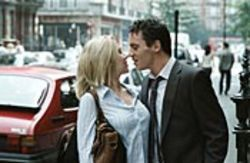 If the affair between Nola and Chris (Scarlett  Johansson and Jonathan Rhys Meyers) isn't exactly  operatic, it's definitely soap operatic.