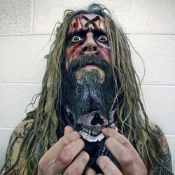 Busy horror-film director though he may be, Rob Zombie says he still enjoys going on tour.