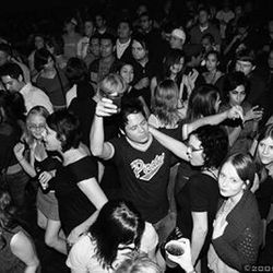 A Rock Box crowd turns the Proletariat&#039;s beat around, circa 2005.