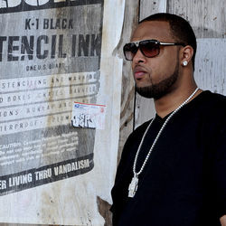 Slim Thug hopes his Twitter buzz carries over to third album Tha Thug Show.