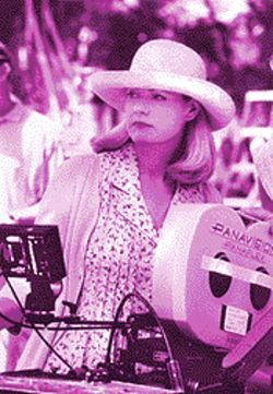 Director Bonnie Hunt may be the leading candidate for a Razzie in 2000.