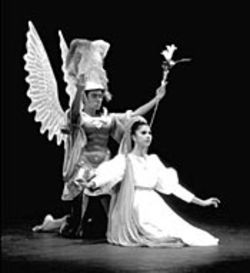 Ballet Folklrico de Mxico dancers as the Archangel 