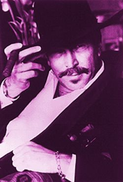 Using satire and sarcasm, Kinky Friedman is the perfect novelty act.