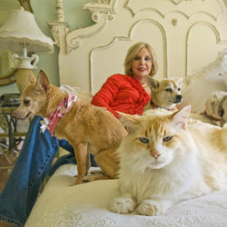 Fitzpatrick claims to have become so good at animal communication that she doesn't require a photograph of a pet during her $300-per-half-hour sessions.