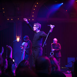 The Psychedelic Furs keep livin' after ­midnight.