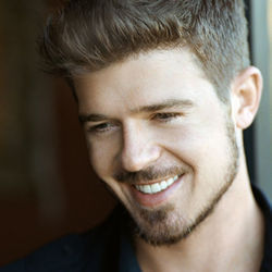 No growing pains on Robin Thicke's Sex Therapy.