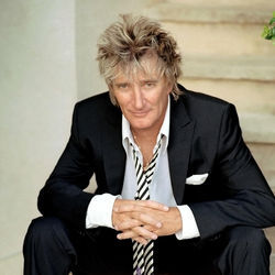 Rod Stewart: No Faces, but fewer Sinatra-style songs on this tour.