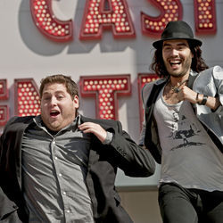 Aaron (Jonah Hill) has to get Aldous (Russell Brand) on a plane to the Today show, and to the Greek.