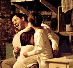 Russell Crowe as Jim Braddock, fighter and family  man.