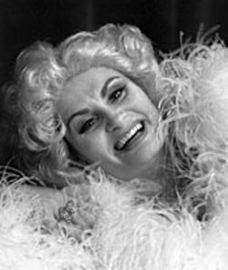 Susan Oltmanns-Koozin plays Mae West.