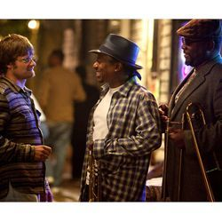 On the set: Steve Zahn, Kermit Ruffin and Wendell Pierce.