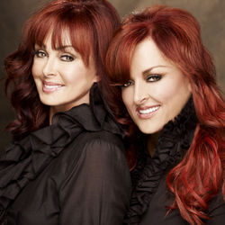 Love builds one more bridge on The Judds' farewell tour.