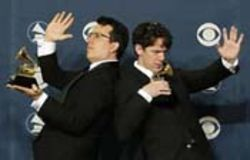 They Might Be Giants do the Grammy Shuffle.