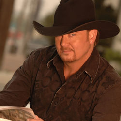 Time marches on, but Tracy Lawrence's sturdy catalog of hits doesn't age.