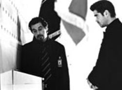 Walter Burke (Al Pacino) instructs James Clayton (Colin Farrell) in the art of deviousness.