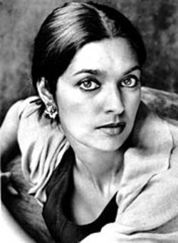 Jhumpa Lahiri satisfies expectations in her first novel, 