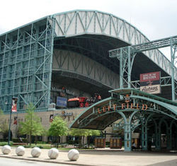 Click here to spot the differences between Minute Maid Park 2005 and Minute Maid Park 2008.