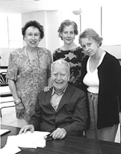 Horton Foote and the three sisters (left to right): Jean Stapleton, Hallie Foote and Roberta Maxwell.